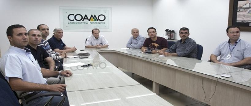 Pesquisadores do Irã visitam a Coamo e conhecem o cooperativismo
